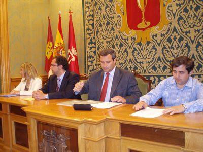 El ayuntamiento habilitar tres puntos de informaci n for Oficina catastral